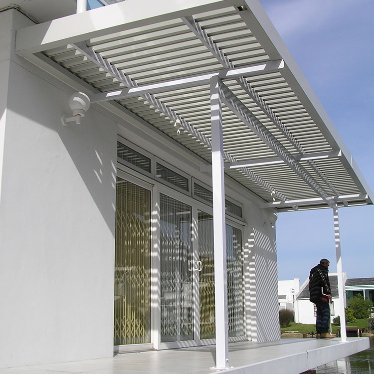 Adjustable-Louvre-Awnings-by-Awnmaster-Cape-02