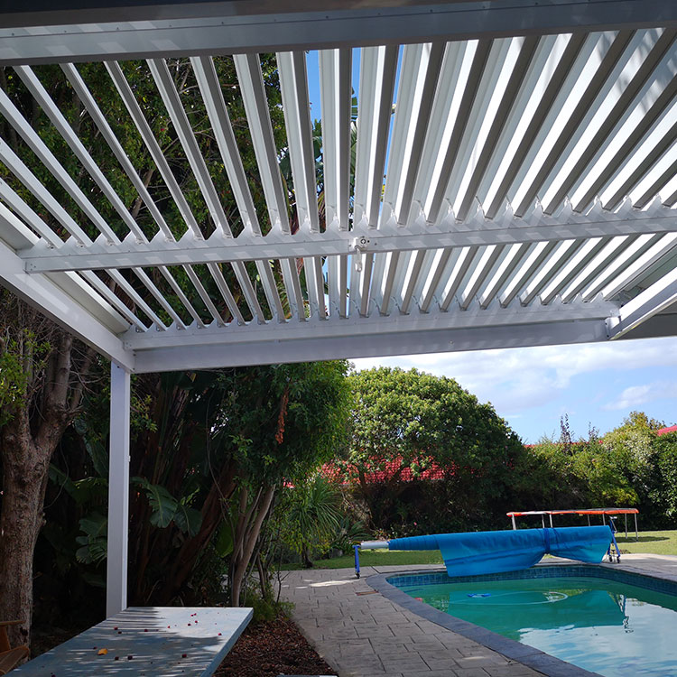 Adjustable-Louvre-Awnings-by-Awnmaster-Cape-10